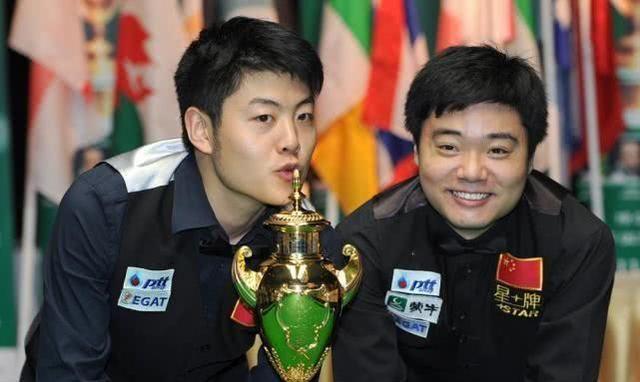 中国名将3连胜力压前世界第一,梁文博携火箭小特冲冠