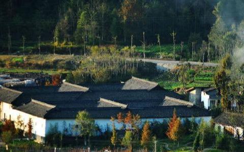 中国最神奇的古镇,陕川甘三省交界,神似吃鸡游戏里的派南