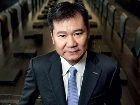 中国隐形富豪年入6000亿,投资万达亏钱后,直接买下37家万达百货