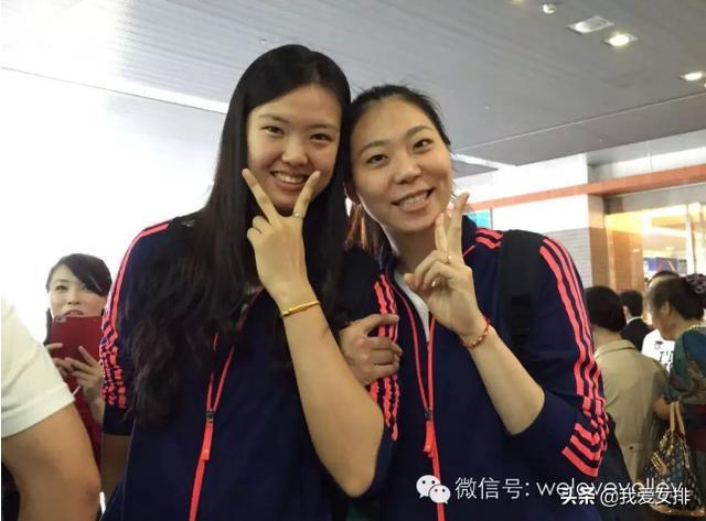 """女排好闺蜜:世界杯生死战,张常宁为杨珺菁""""手动""""颁发单场最佳"""