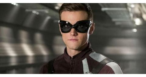 《闪电侠》剧组开除了演员哈特利·索耶尔,看了原因你会拍手称快