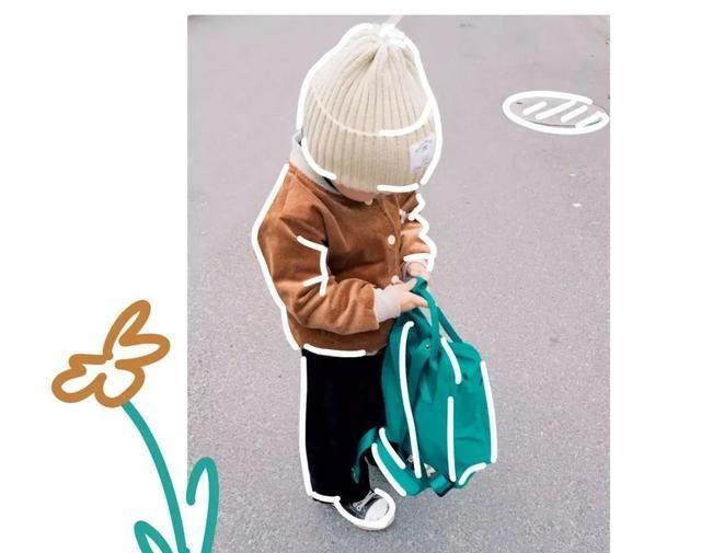 我隔壁的小学生,靠50块的穿搭上了德国时尚杂志