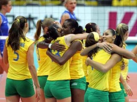 巴西女排铁粉多,身材公认世界第一,特别是塔伊萨完美比例的线条