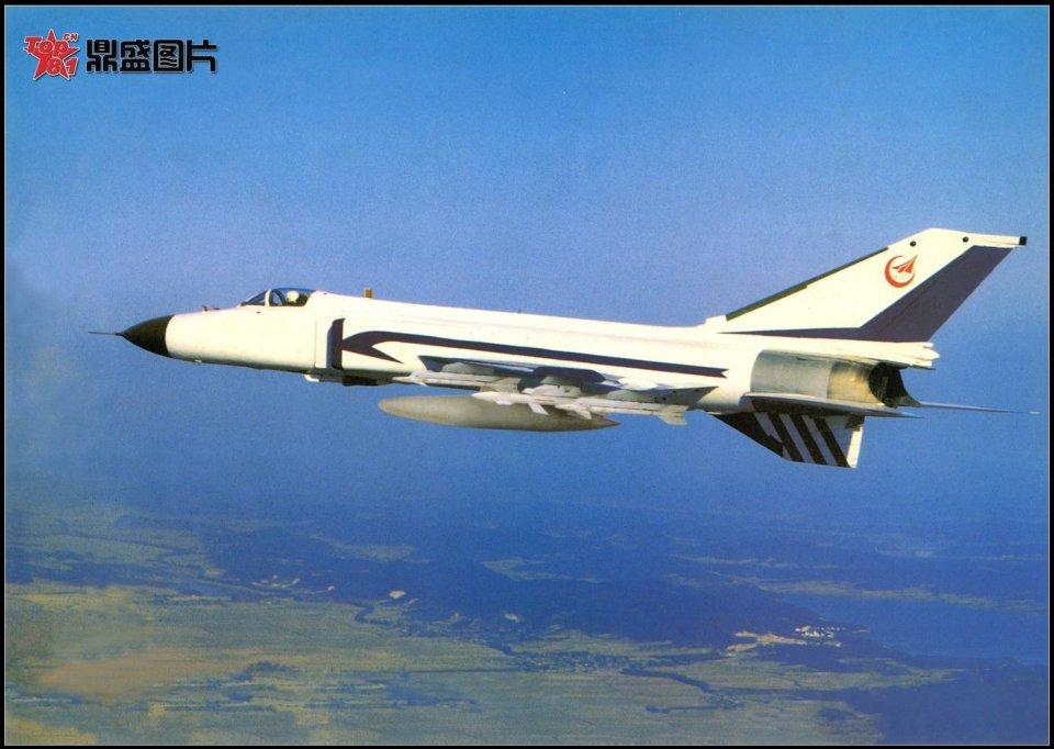 昔日最先进国产战斗机首飞36年,曾亮相巴黎航展,轰动整个西方