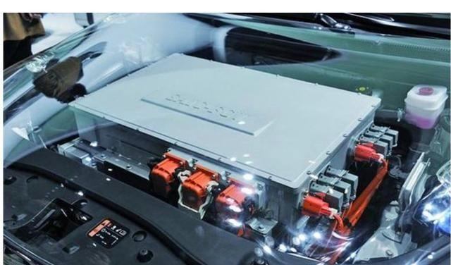 插电混动和纯电动汽车哪个保养成本低?
