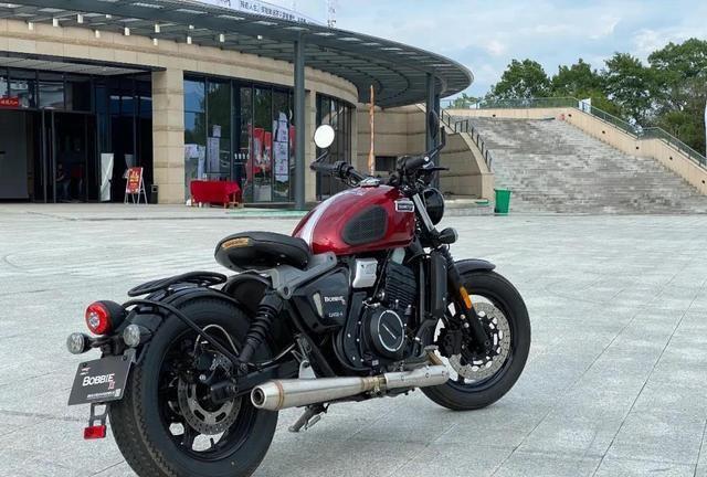 2.88万元起!国产纯正欧式BOBBER风格400cc复古摩托车上市发布