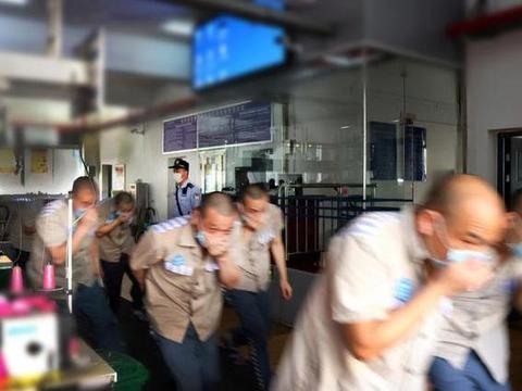 安康监狱组织开展消防应急演练,提升监区应急处突及协同救援能力