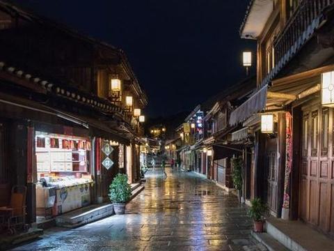 中国三大独具魅力的特色小镇!转转悠悠,带来了古镇的绵绵情意