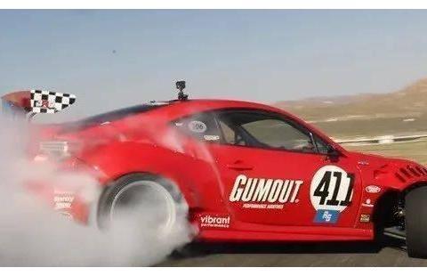 【头摇又尾摆】Toyota 86移植法拉利V8引擎 山路飘移40分钟