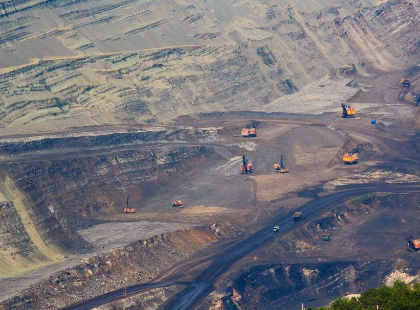 开采深度为400米的露天煤矿已成为