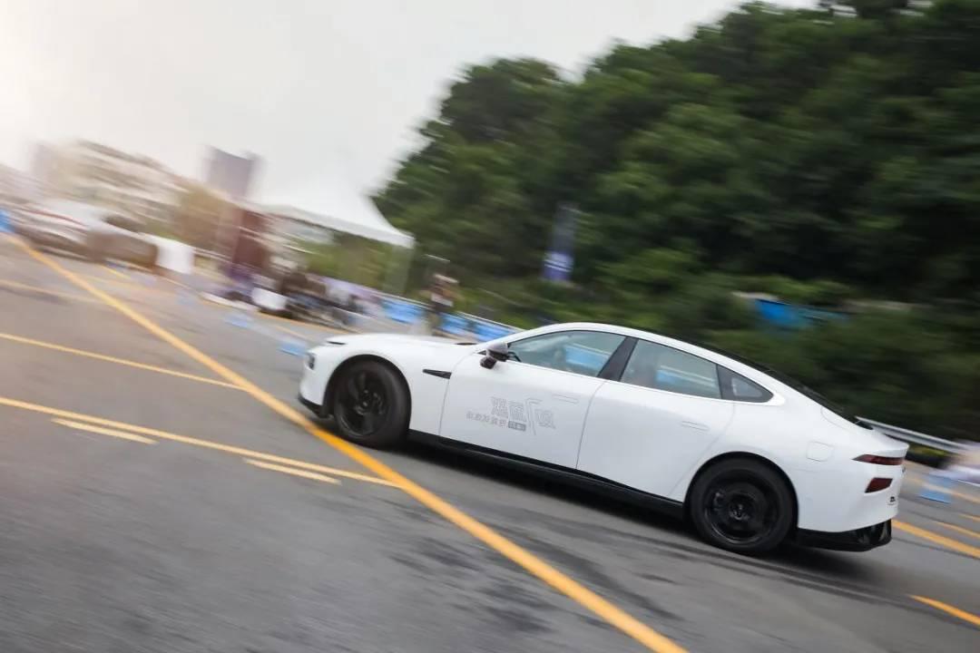 小鹏P7:一款有格调的新能源车是怎样的?