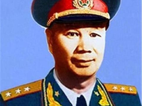 1955年,十二位大军区司令员中,哪三位同时还兼任副总参谋长?