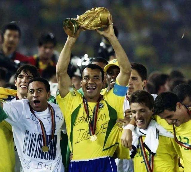 荣誉遍布全球,视足球为终生的伴侣,执着与可爱并存的斯科拉里