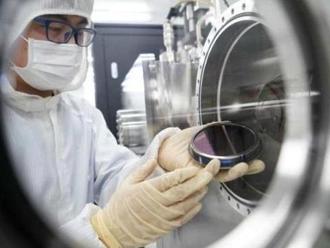 厉害!中国碳基芯片在物联网性能超群,荷兰ASML光刻机拖延无用