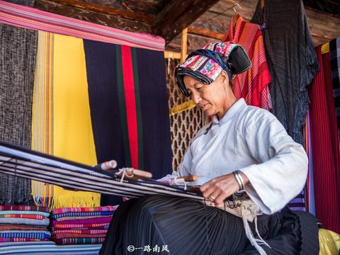 云南丽江有个东巴谷,随处可见东巴文,被称为唯一活着的象形文字