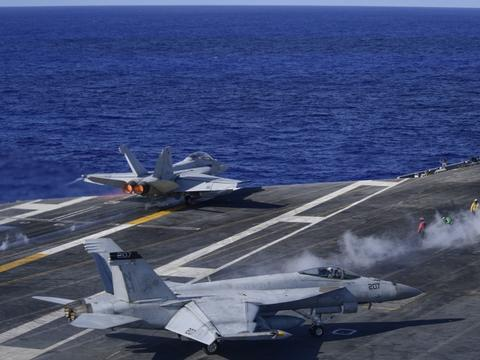 美军三航母西太露出獠牙,间谍船再次闯入南海,关键时刻来打前阵