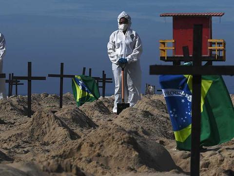 巴西疫情扩大化,总统强行解除封锁,墨西哥专家:将引发军事政变