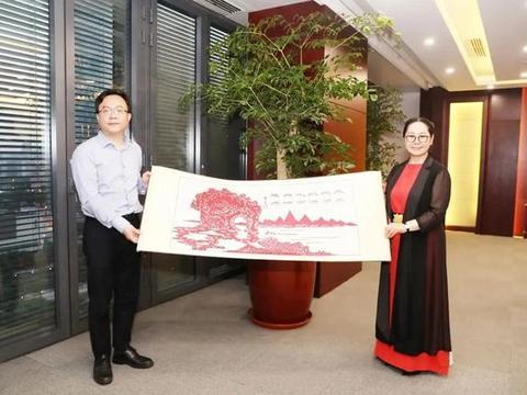 上海交大安泰经济与管理学院副院长刘少轩莅临荣程集团考察交流