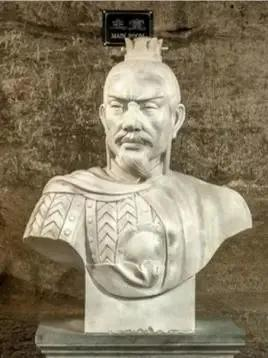 曹操当年到底挖了谁的墓,竟能养活军队3年?这不是一般的富