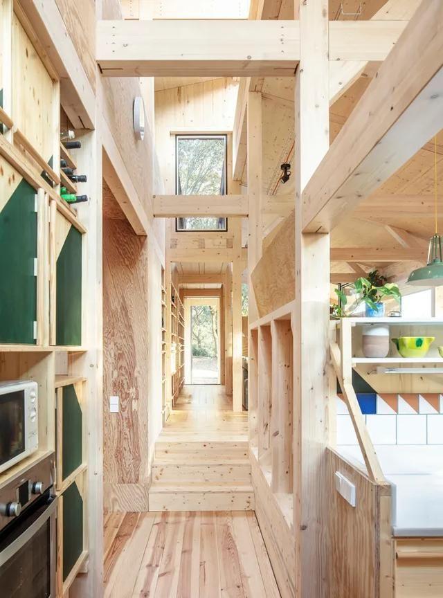 与自然友好型的别墅设计——巴塞罗那原木小屋