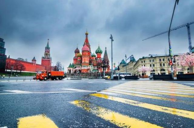 """俄罗斯旅游见闻:美女泛滥成灾,却因""""缺陷"""",令众男生望而却步"""