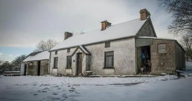北爱尔兰荒宅别有洞天 时光停滞 诉说着一个世纪前的普通人家