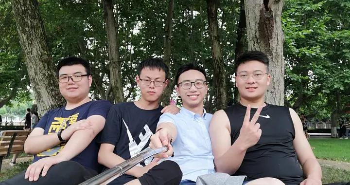 """1个军工领域工程师,3个""""985""""研究生,江科大""""幸运""""宿舍4男生是怎么做到的?"""