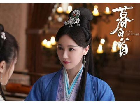马景涛小21岁前妻吴佳尼新剧开播,为生活找戏拍,独自带两孩不易