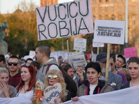 塞尔维亚大选:欧盟候选国的投票被嘲笑为假