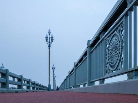 我国第一座自行建造的公铁两用桥,耗资近3亿元,是不可移动文物