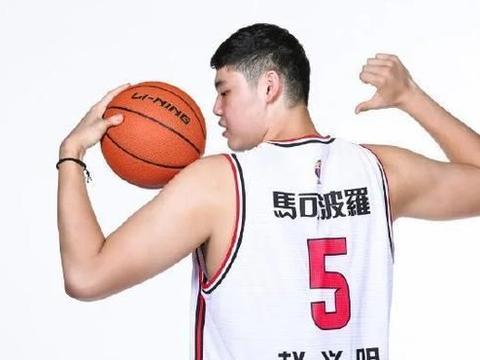 3分5篮板!李月汝20岁男友得到机会,能成长为男篮新的重型中锋吗