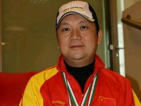 成功源于不懈的努力和精心的准备——致敬传奇射击奥运冠军贾占波