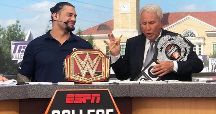 WWE罗曼·雷恩斯:我本想在《摔角狂热33》输给送葬者