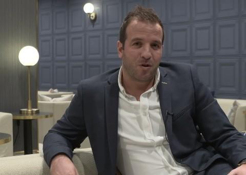 范德法特:门兴门将的脚法比很多沙尔克球员的都要好