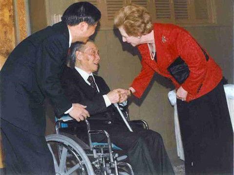 中国老人隐居多年,身份被发现后,撒切尔夫人亲自拜访他,他是谁
