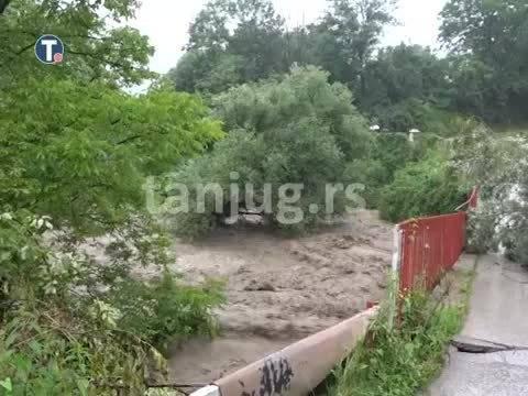 塞尔维亚 12个城市洪水泛滥……