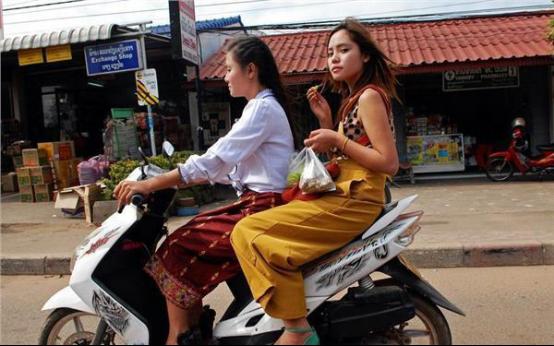 100块钱人民币可以让缅甸美女干啥?说出来,你都不敢信