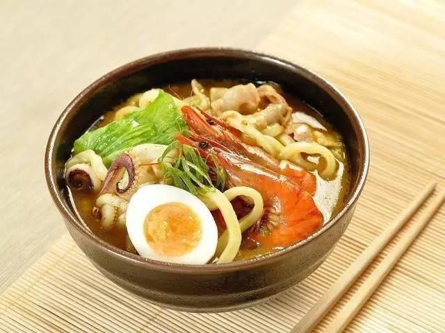 美食精选:日式咖哩乌龙面、洋葱炒牛肉丝、肉酿豇豆、四川担担面