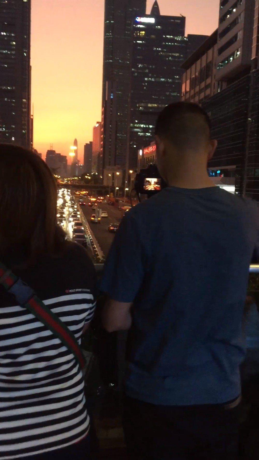 傍晚天桥夜景车流线拍摄 导师:陈阅