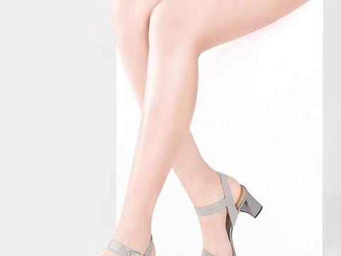 第一双高跟怎么选?选择一双粗跟鞋,不性感但也足够浪漫