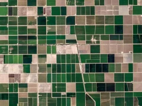 谷歌地图发布了一组精美地球景观图,中国巴音郭楞也在其中