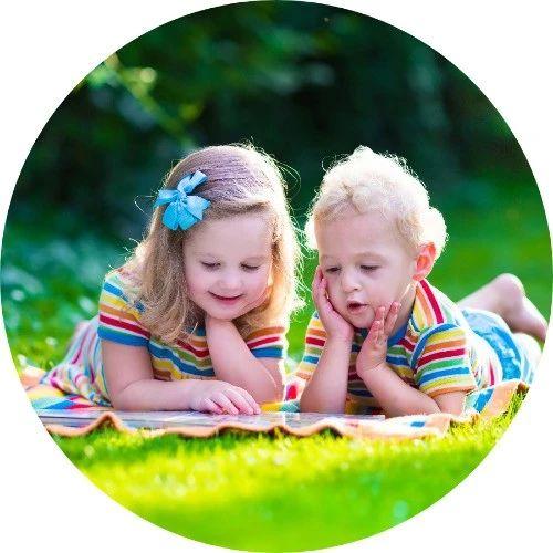 不是咬就是撕,3岁前该如何培养孩子阅读习惯?