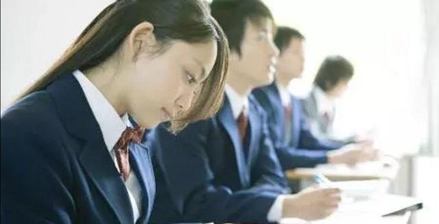 写议论文缺少素材?教你三招,好素材源源不断,老师很欣赏