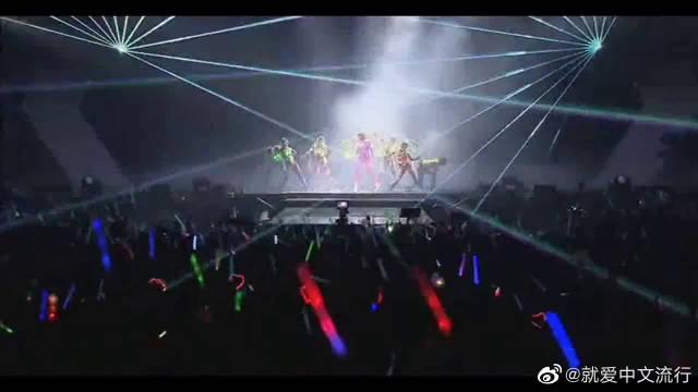 萧亚轩WOW3世界巡演《表白》,根本停不下来,很有feel……