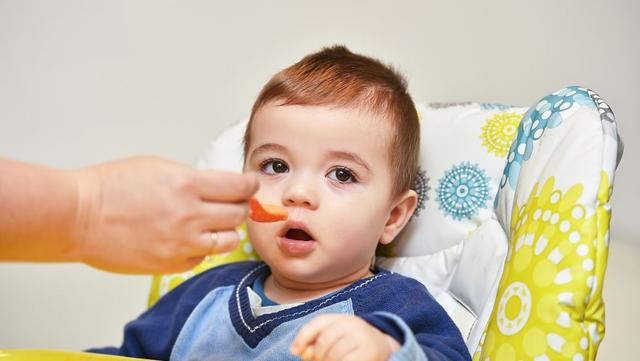这个年龄段宝宝发育迟缓,会有这6种信号,家长们要引起重视了