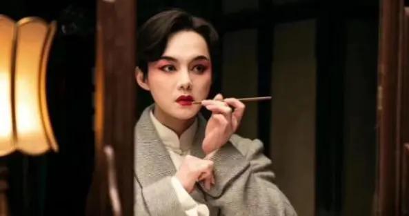尹正致敬张国荣唱京剧,这款金庸带玩家成京剧名角