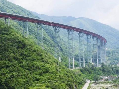 不听劝告,越南耗资3千亿大桥发生坍塌,反而向我国索赔令人愤怒