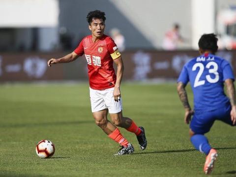 体坛周报:恒大将给郑智一份球员兼教练的新合同