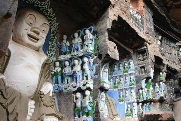 成都这处千年石窟,比重庆大足石刻更悠久,至今却少有人问津