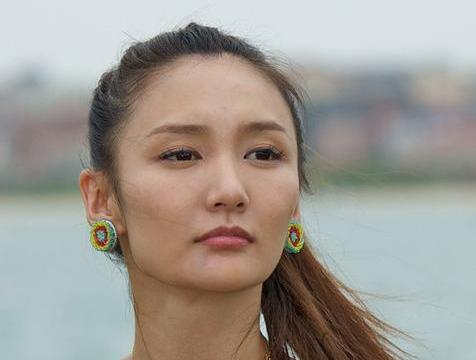 叶璇爆料拍戏时有前辈吸毒后发疯,亲眼目睹演员聚众吸毒